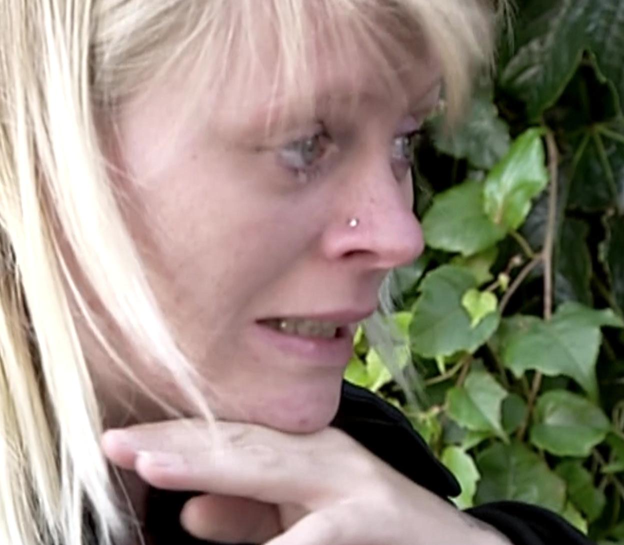 klumpede kvinder sprutning